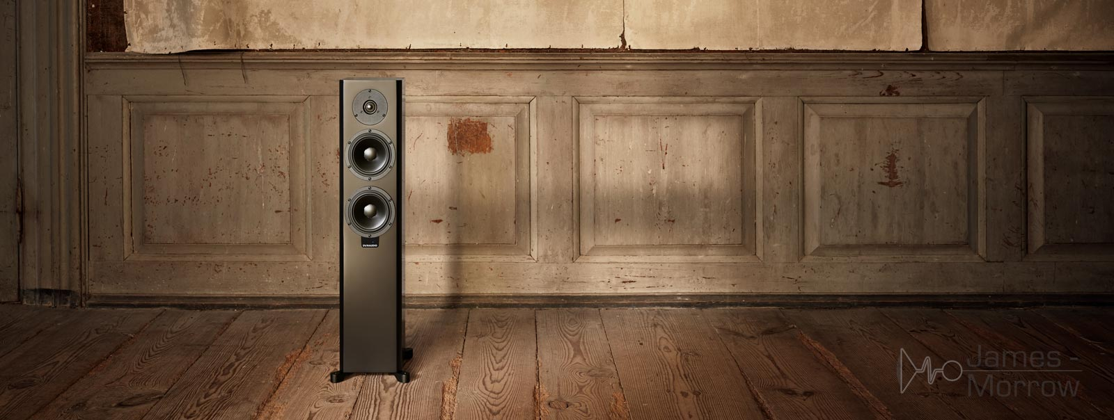 dynaudio xeo 30 black front wooden floor lifestyle image