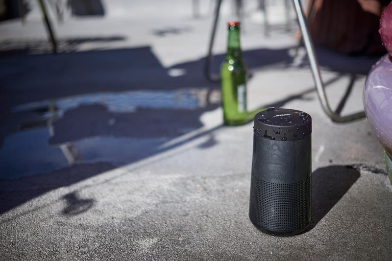Bose soundlink revolve black close-up lifestyle image