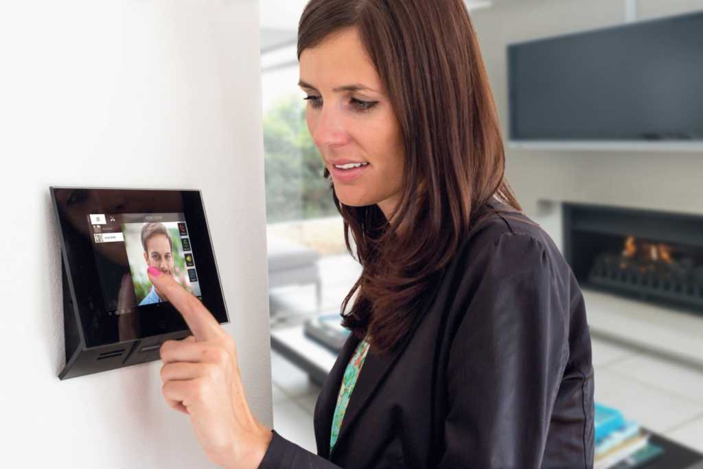 Woman using 2n touchscreen interface header image