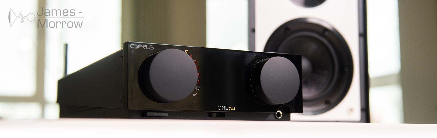 Cyrus One Cast Lifestyle with Speaker