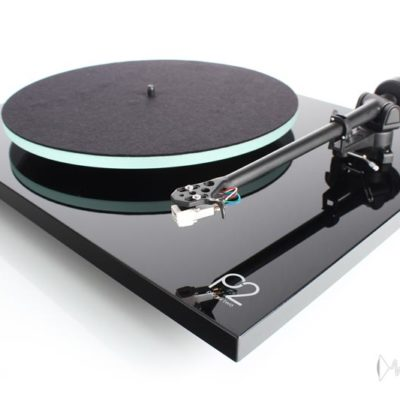 rega planar 2 black front side elevated product image