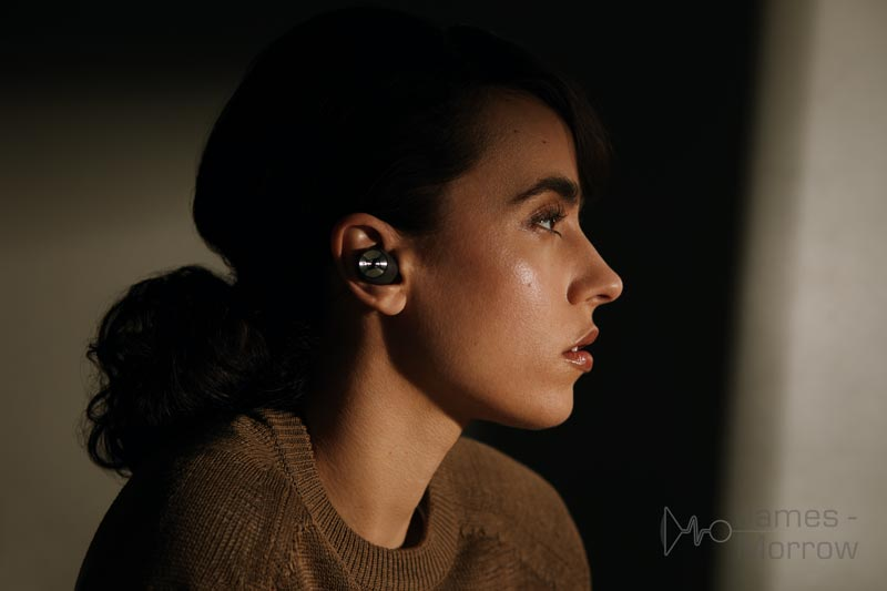 Sennheiser Momentum True Wireless Earphones 2 black lifestyle image