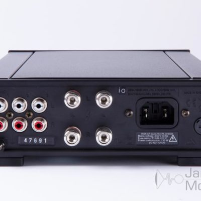 rega io amplifier back product image